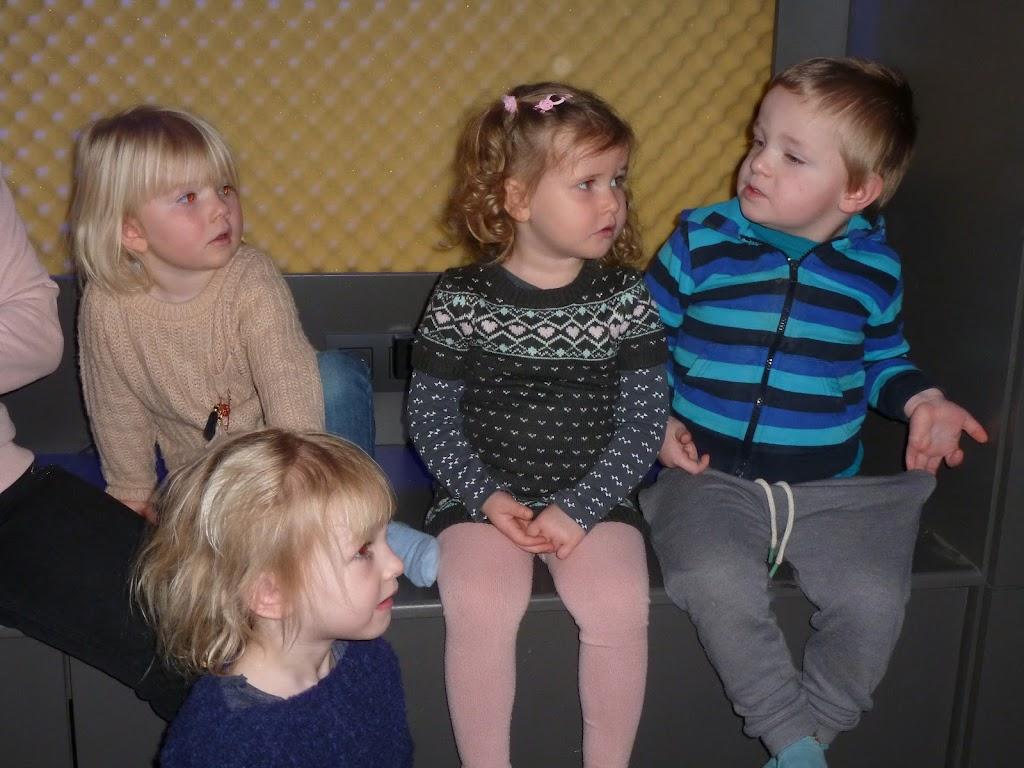 Leefgroep 1 op bezoek in een muziekkamer - P1080921.JPG