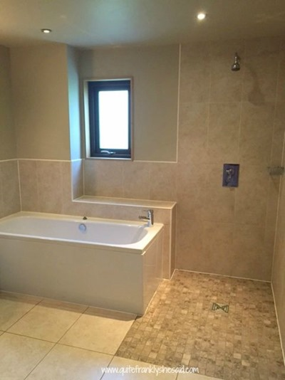 wetroom-with-bath