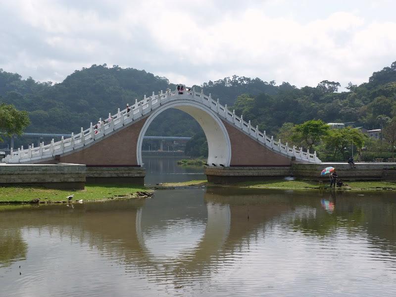 TAIWAN Taipei Dahu Park et dans le quartier de SHIH CHIEN University - P1260215.JPG