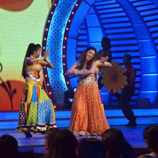 Parineeti Chopra at the International Indian Achievers Awards event, held at Filmcity in Mumbai. (Pic: Viral Bhayani)