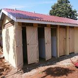 Bezoek nov./dec. 2011 - Bouw Toilet - PC290806.jpg