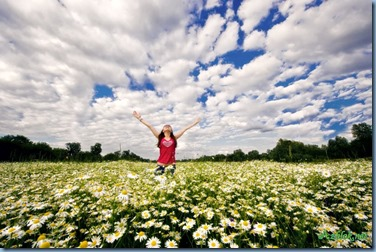 realization-in-a-field-of-daisies1