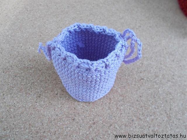 lila szütyő