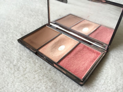 Sleek's Face form palette in 'Light'