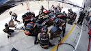 Romain Grosjean pit stop, Lotus E21