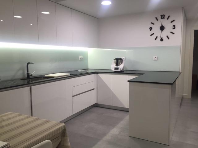 Lovik cocina moderna tienda de muebles de cocina desde for Precios de cocinas modernas