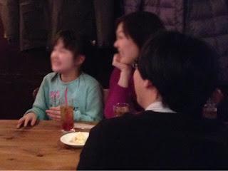 トムズキッチン千石店にてテーブルホッピングマジック / マジシャンひろしつちや