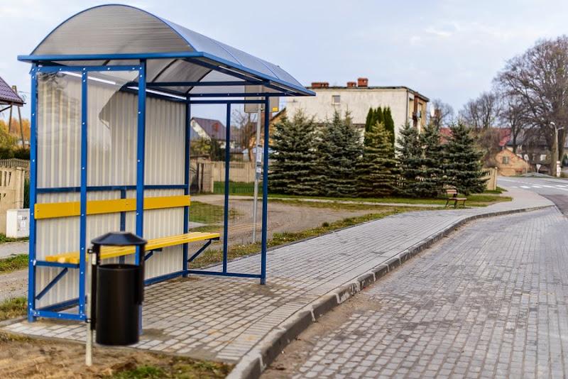 wiata autobusowa w Sychowie