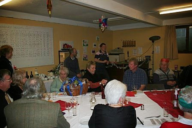 Pensioners Lunch - 11-12-2011 - penlunch%2B%25282%2529.jpg