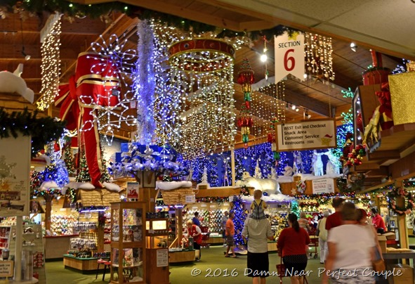 Christmas Store1