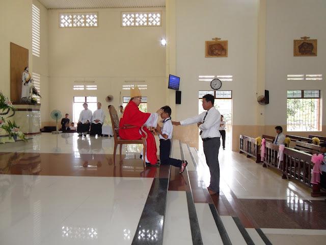 Hình ảnh thánh lễ ban  phép thêm sức tại Giáo xứ Bắc Vĩnh