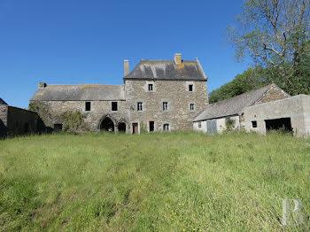 manoir à Saint-Pol-de-Léon (29)