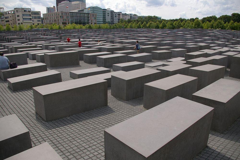 memorial-murdered-jews-europe-berlin-5