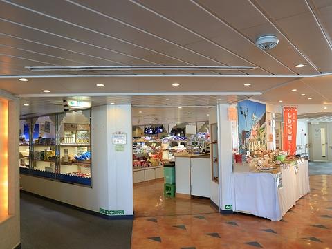 新日本海フェリー「らいらっく」 4階売店