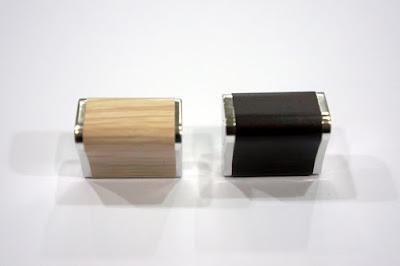 裝潢五金品名:A439-取手規格:單孔(25)顏色:PC+胡桃/PC+白橡玖品五金