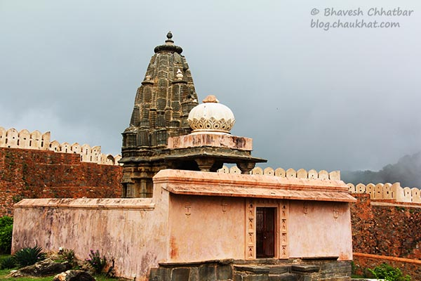 A stone steeple of a temple at Kumbhalgarh