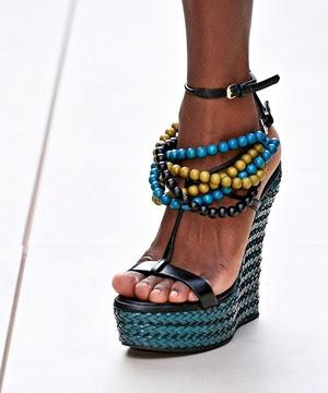 boncuklu ayakkabı modeli