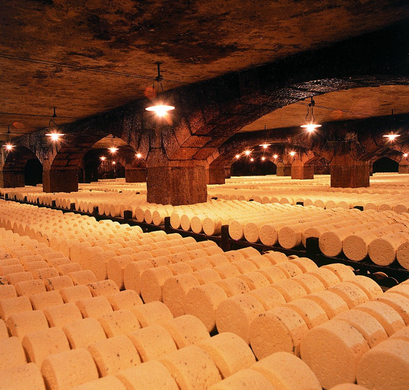 roquefort-cheese-cave-7