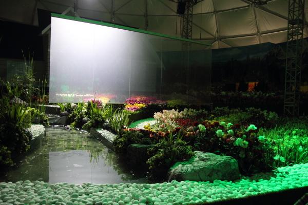 Indoor simulasi Musim Bunga