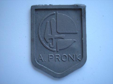 Naam: A. PronkPlaats: WarmerhuizenJaartal: 1990