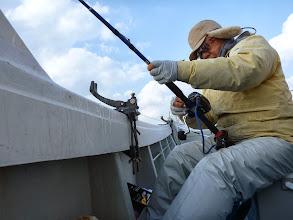 Photo: オガワさんも今年最後の釣りを楽しんでます!