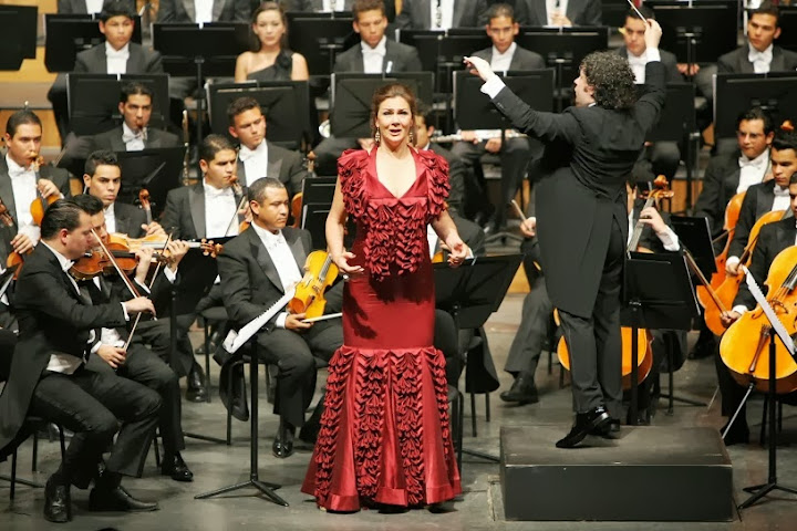 La mezzosoprano Anna Larsson ha actuado en varias ocasiones junto a los músicos venezolanos y bajo la dirección del maestro Dudamel