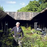 13 июля 2011 года Пит Удольф за два дня размещает растения в павильоне. Через две недели открытие.