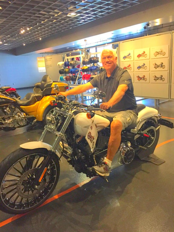 [Paul-motorcycle5]