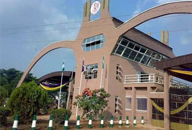 Tension in UNIBEN as Students Protest 20K Penalty Fee on  School Fees (PHOTOS)