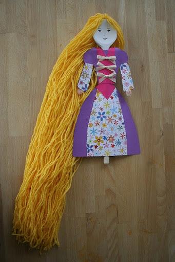 boneca rapunzel de colher de pau