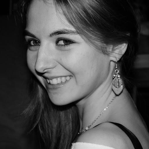 Anne Chevalier Photo 20