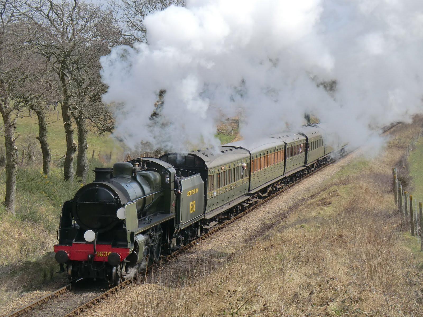 CIMG6172 A Bluebell Railway train chugs by