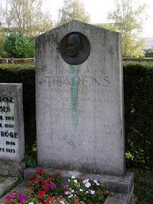 Het graf van H.A. Thiadens in Enschede.