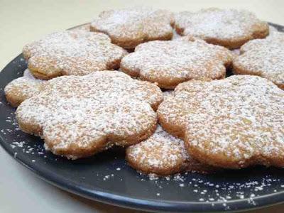 biscotti rustici di farro al miele per