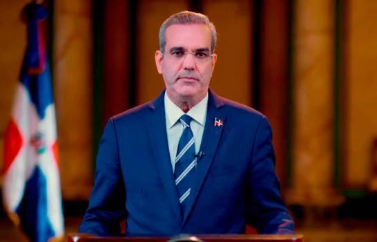 Luis Abinader advierte que si bandas haitianas cruzan a RD serán enfrentadas por las Fuerzas Armadas