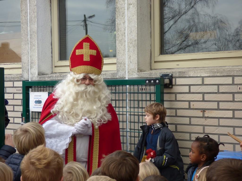 De Sint op bezoek! - P1040965.JPG