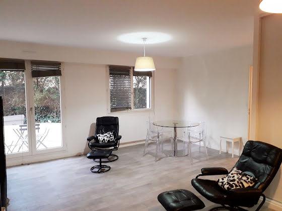 Location studio meublé 46,86 m2