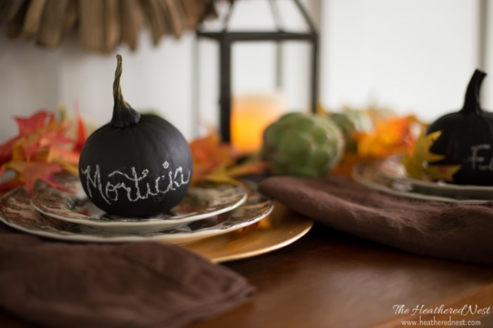 easy-pumpkin-craft-pumpkin-place-cards-with-chalkpaint-heatherednest.com-2