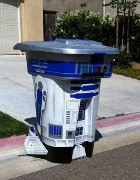 Cubo de basura con forma de R2-D2