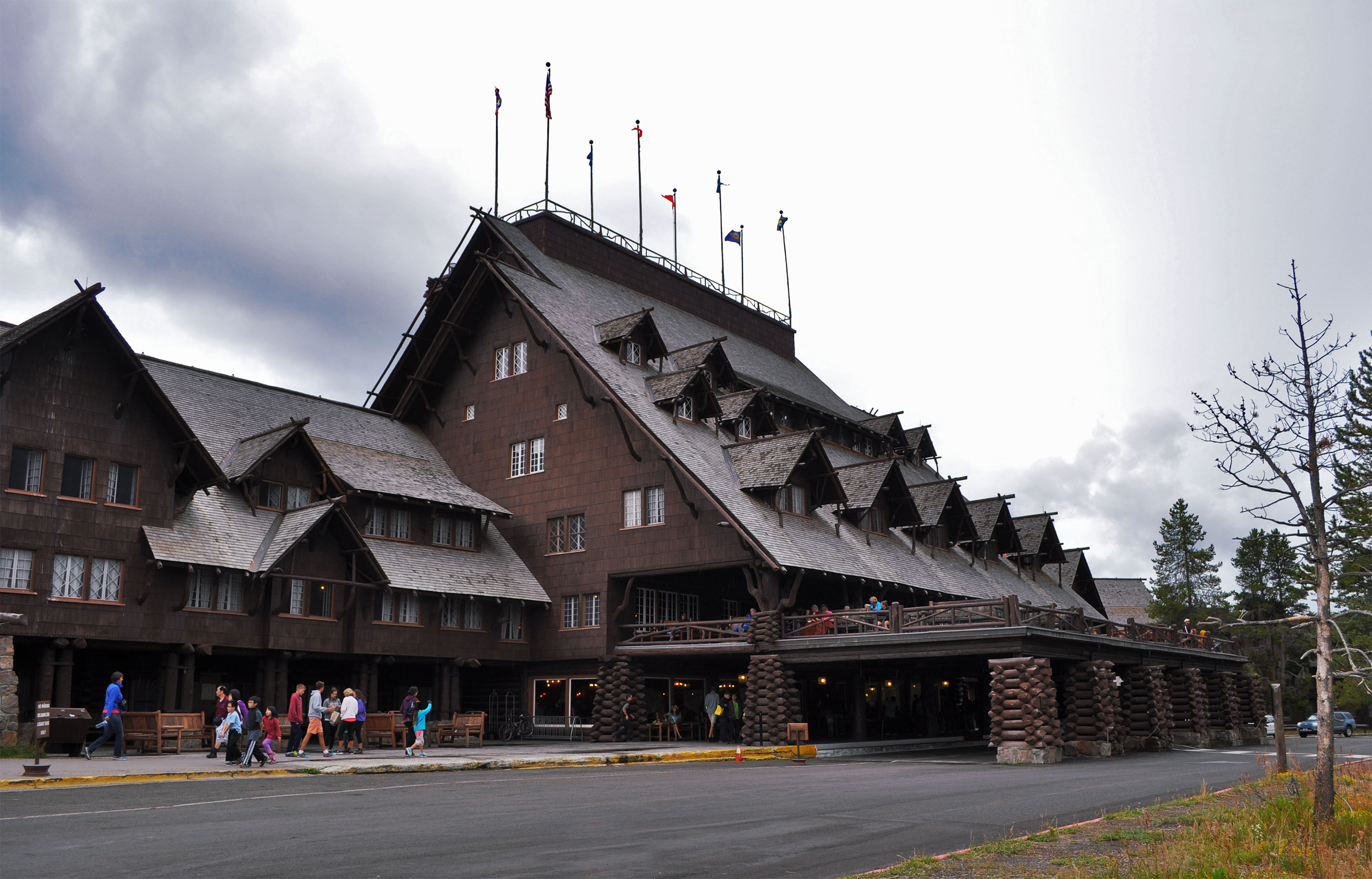 Old Faithful Inn Yellowstone Architecture Revived