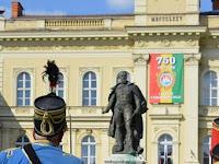 15 A Klapka-szobor és a nevét viselő tér napjainkban.JPG