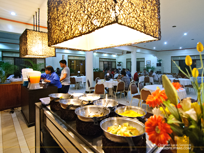 Eat All You Can Buffet at Waway's Restaurant in Legazpi City