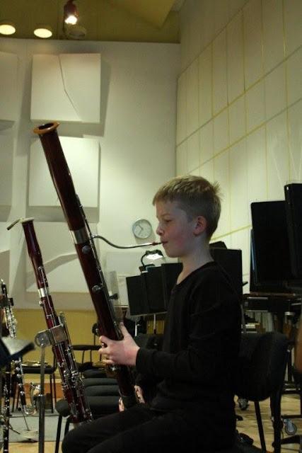 Elever fra Orkesterskolen med Sigurd og Michael Bojesen 7/6 2012 - Symfonien%2BF2012%2B-%2BSigurd%2B%2526%2BMichael%2BB%2B%252872%2529.jpg