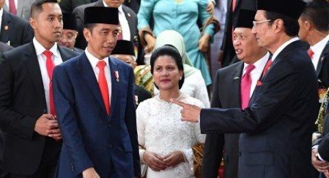 Iriana Jokowi Masuk Kandidat Capres, Rocky Gerung Beri Perbandingan Menohok