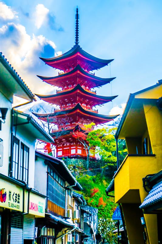 itsukushima shrine five story pagpda machiya street