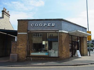 街角の家具屋「COOPER」