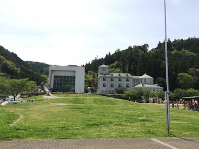 アンパンマンミュージアムとホテル(ピースフルセレネ)