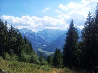 Blick vom Dreiländereck nach Slowenien mit Triglav (2875 m), rechts im Bild
