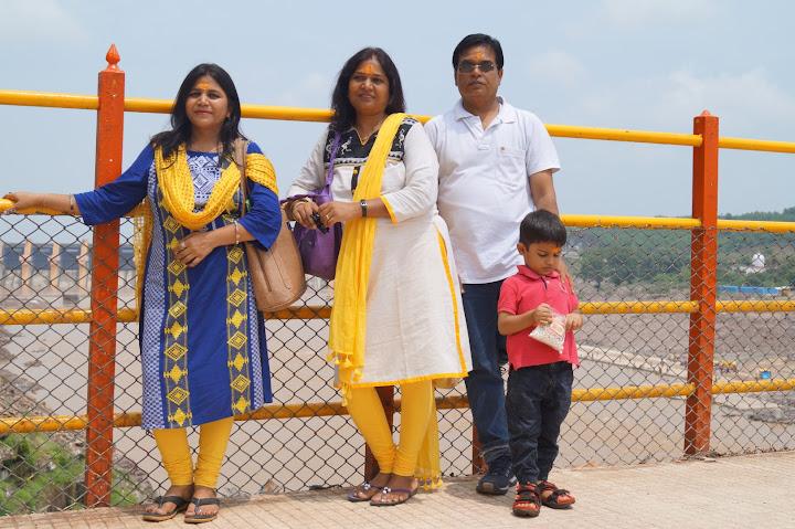 Omkareshwar and Hanmuntiya water resort - DSC06414.JPG