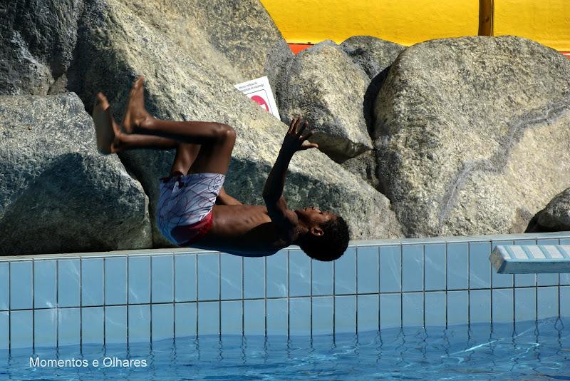 A piscina, voar